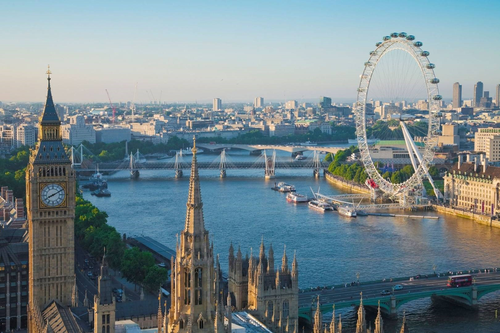 Các công trình biểu tượng của London dọc bờ sông Thames